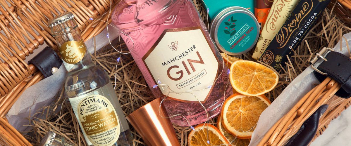 Personalised Manchester Gin Father's Day Premium Gift Hamper